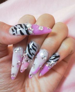 Gyaru Inspiration: Nail Art