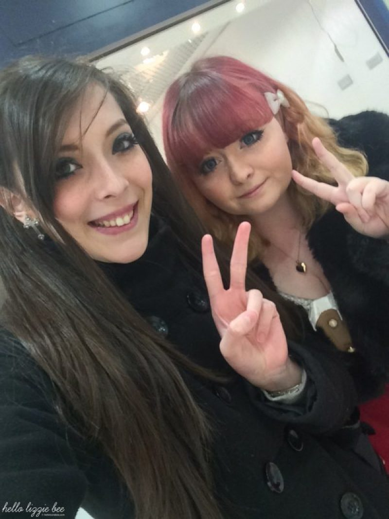 UK gyaru Lizzie and Danni