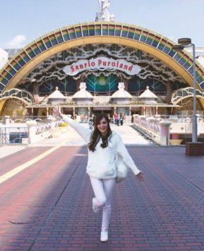 Chilling with Hello Kitty – My Trip to Sanrio Puroland!