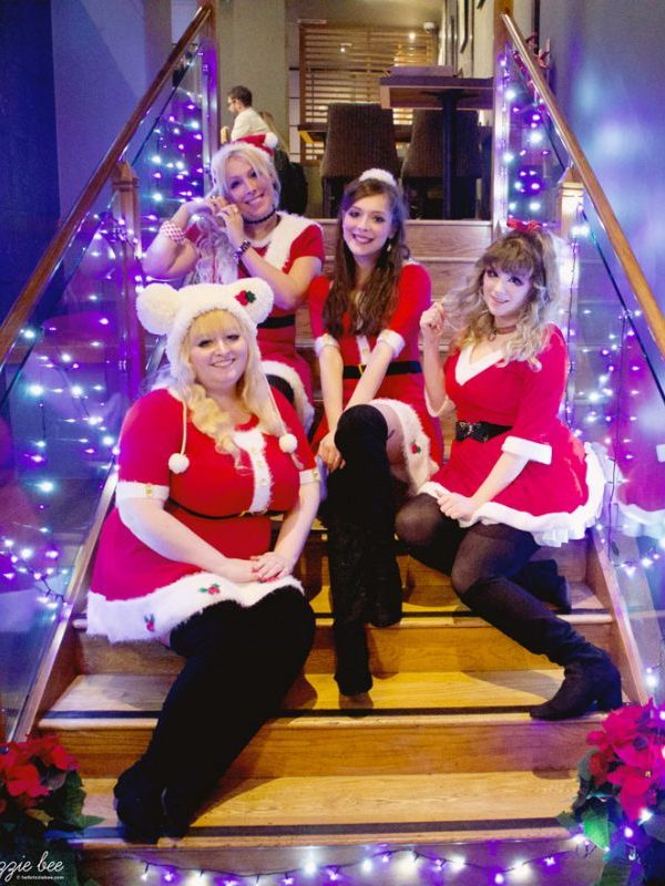 Christmas Gyaru Meet with QueenE!