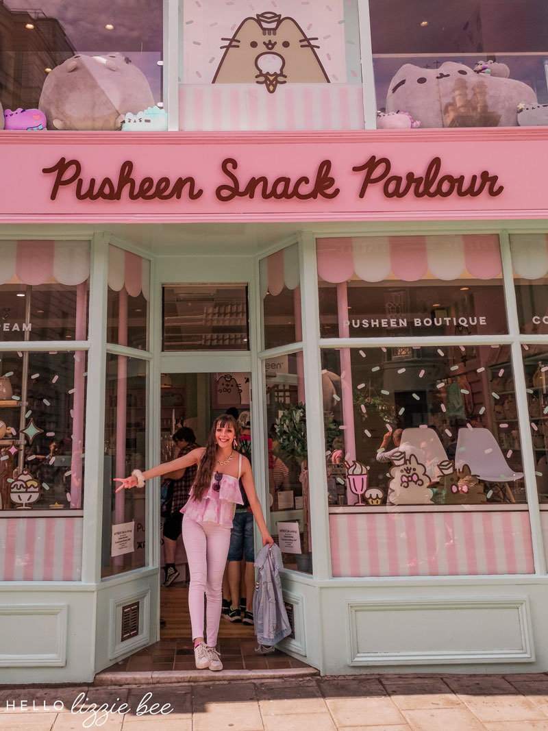 Pusheen snack parlour at Artbox Cafe in Brighton via hellolizziebee