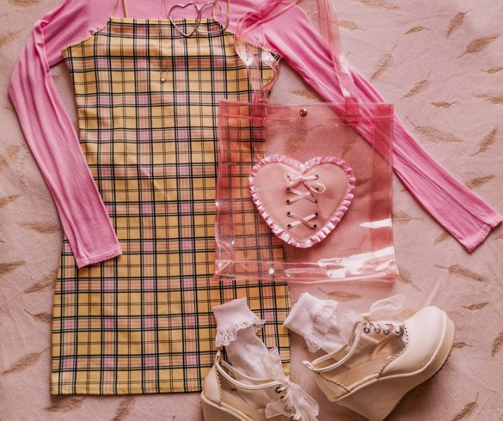 How to Style a Checkered Dress in 5 Ways