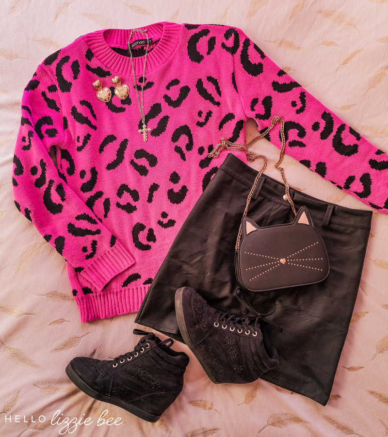 Cute outfit idea with leopard print jumper