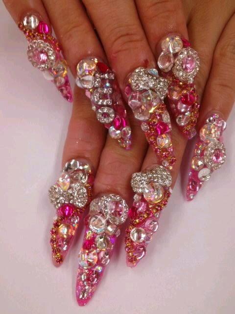Dramatic nail art inspiration for gyaru