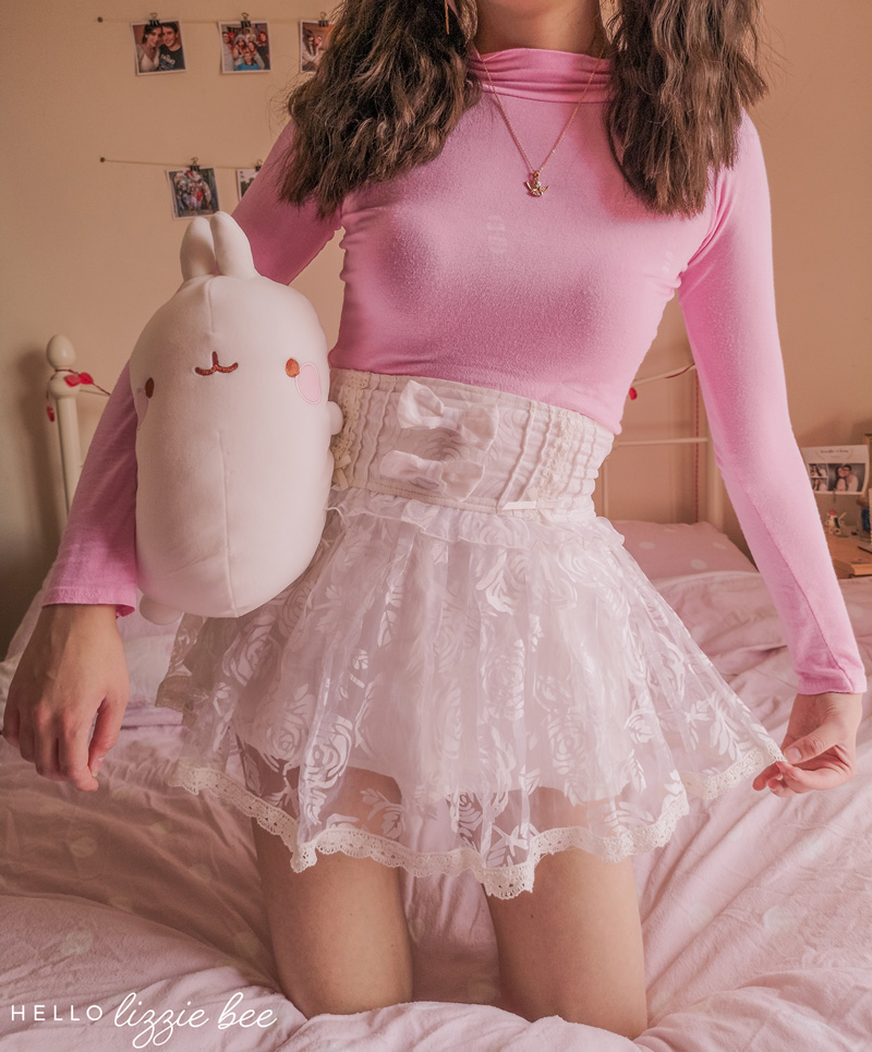 Kawaii outfit inspired by Molang by hellolizziebee