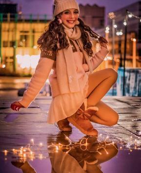 Beneath the Twinkling Lights! ☆ Mini Christmas Photoshoot