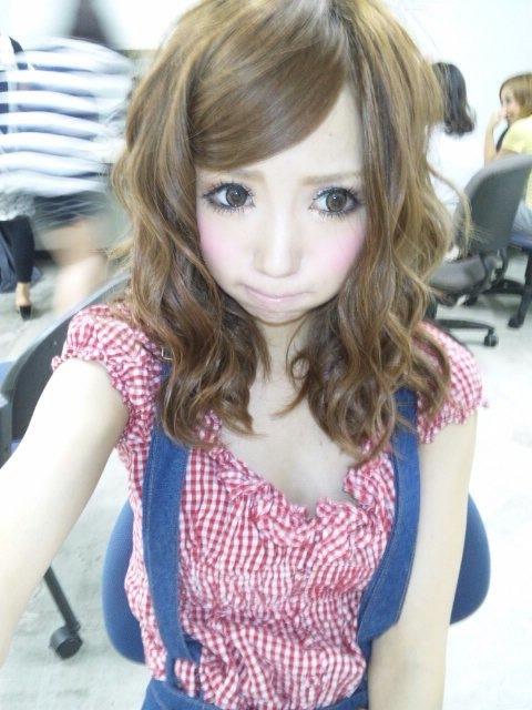 Satomi Yakuwa_via hellolizziebee