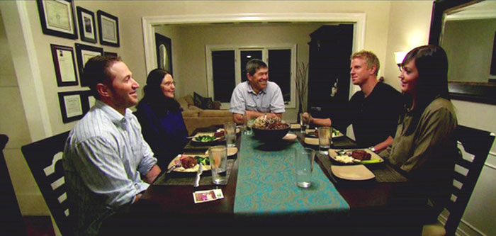 Sean Lowe visits Desiree in her hometown to meet her family on the Bachelor.