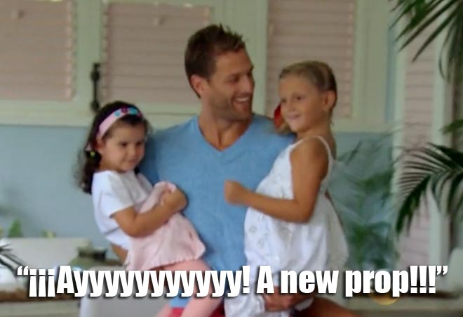 The Bachelor Juan Pablo brings out his daughter Camila and his niece.