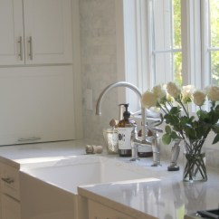 White Kitchen Countertops Trash Bins How To Choose The Right Quartz For Hello Classic With Shaker Cabinets Marble Subway Tile Viatera Countertop In Minuet