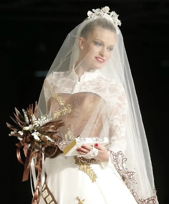 Cannes pays tribute to the late Princess of Monaco with a chocolate wedding dress  Photo 2