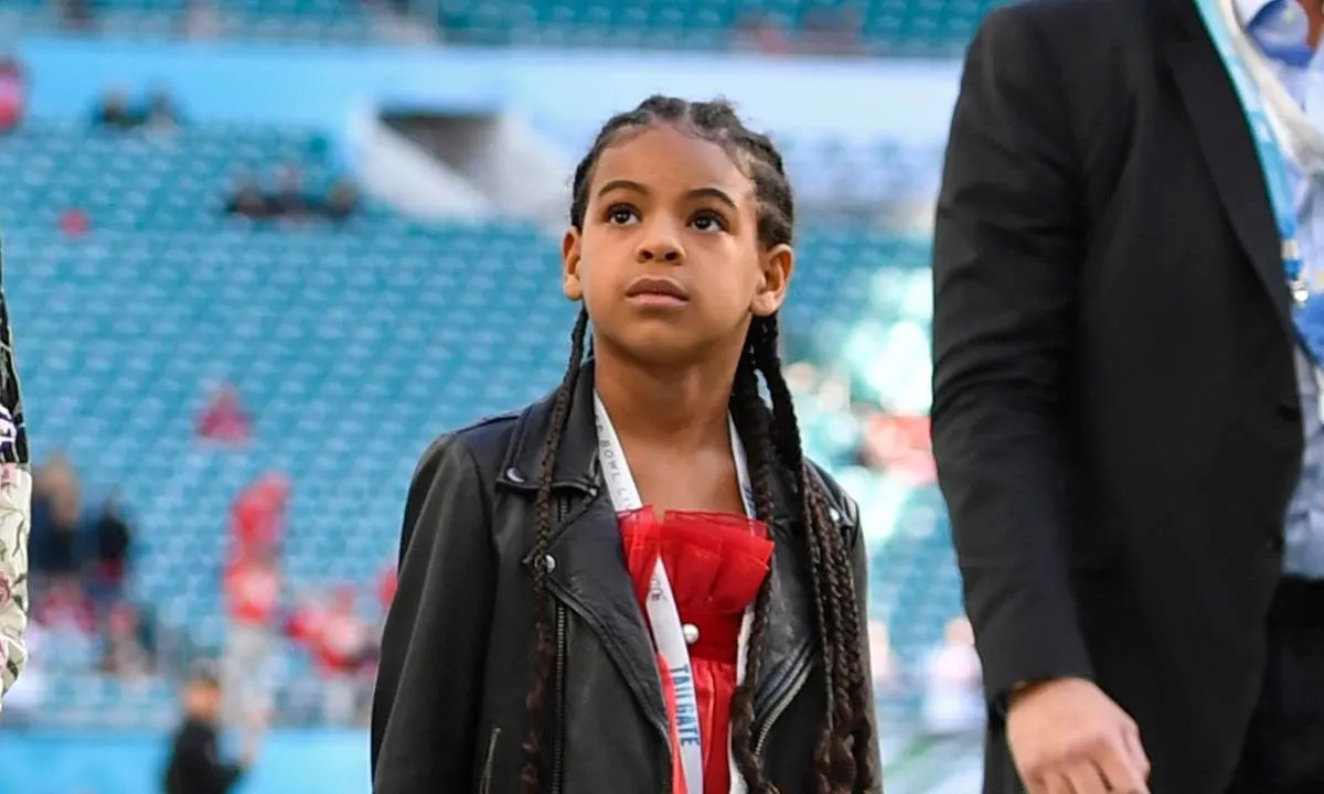 beyonce s daughter blue ivy gets fans