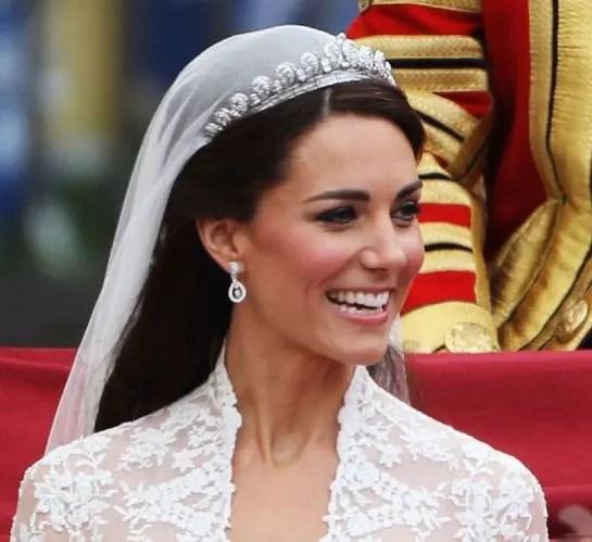 Kates Wedding Day Tiara To Go On Display In Paris