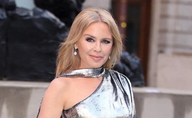Kylie Minogue Nails Futuristic Fashion In Amazing Silver