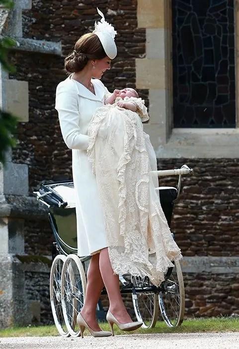 Isabella Windsor christened at Kensington Palace  Photo