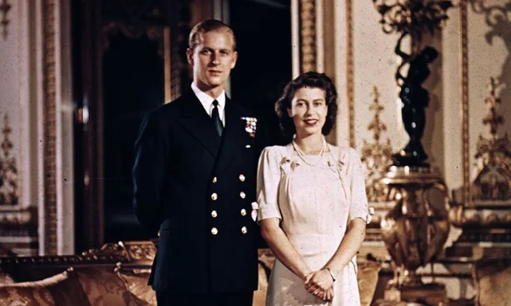 Queen Elizabeth II, Prince Philip to celebrate 70th Wedding Anniversary on Monday (Read Details)