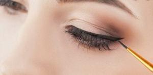 buat eyeliner