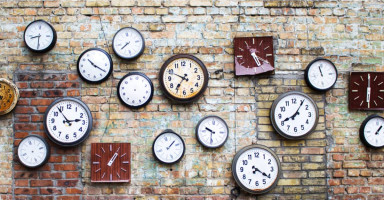 تفسير رؤية الساعة في المنام وتفسير حلم هدية