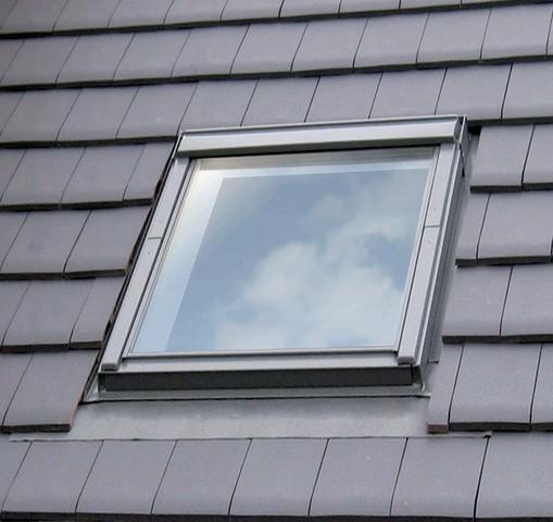 fenetre de toit velux a rotation confort ggl mk04 3076 78x98