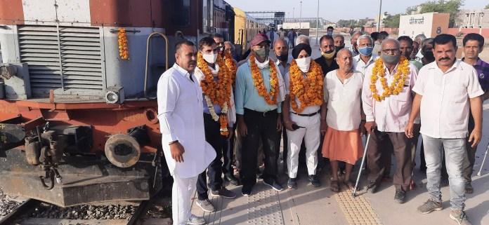 Lalgarh to Jaisalmer, Jaisalmer to Lalgarh, Jaisalmer to Lalgarh train, Indian Railway, Bikaner to Jaisalmer train, Jaisalmer to Bikaner train,