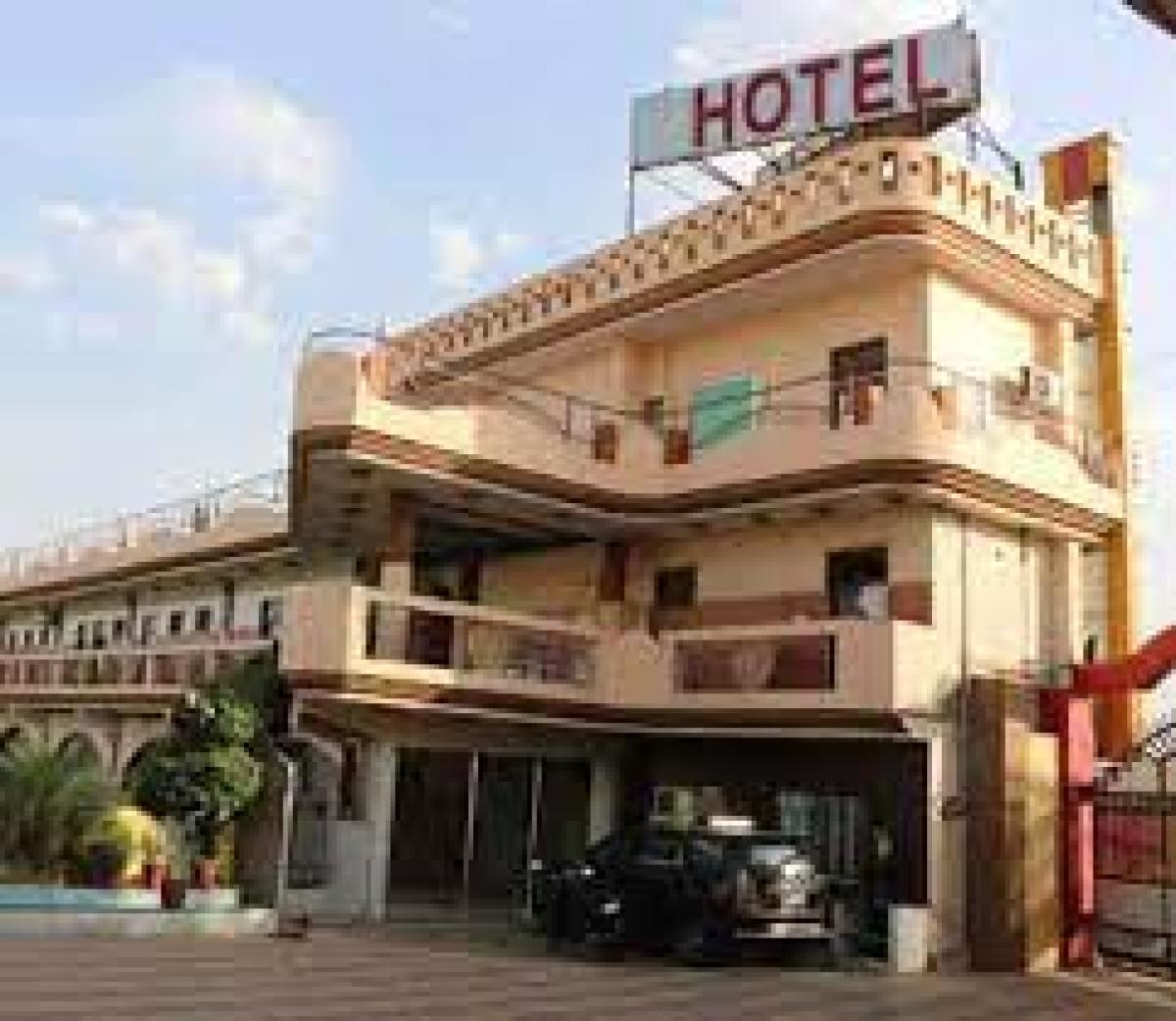 Sex, sex racket busted,Resort, The Royal Paradise Resorts & salt Yard, Ajmer –Beawar National Highway , sex trade, देह व्यापार, सेक्स रैकेट का भंडाफोड़,