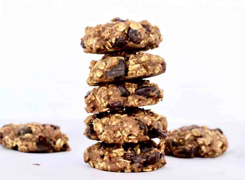 Pumpkin Oatmeal Chocolate Chip Cookies - Healthy and Easy