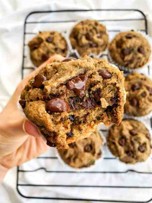healthy chocolate chip zucchini muffins