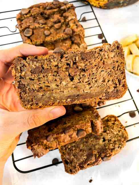 Oil-free and sugar-free banana bread sweetened with only fruit