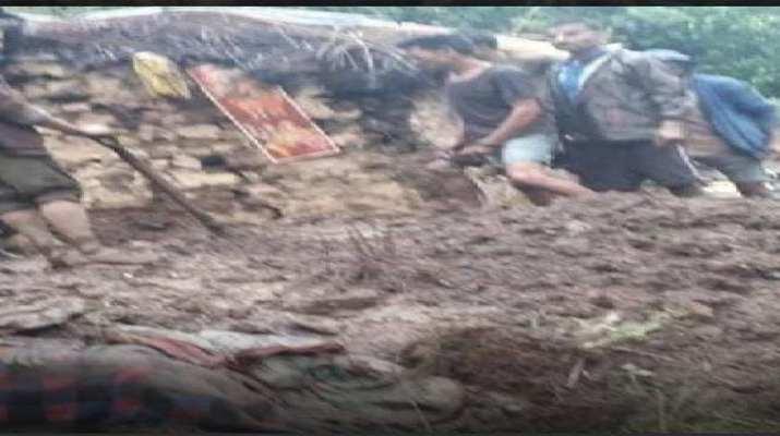 उत्तराखंड: द्वाराहाट में भारी बारिश से गिरा दो मंजिला मकान, तीन की मौत, एक घायल 1
