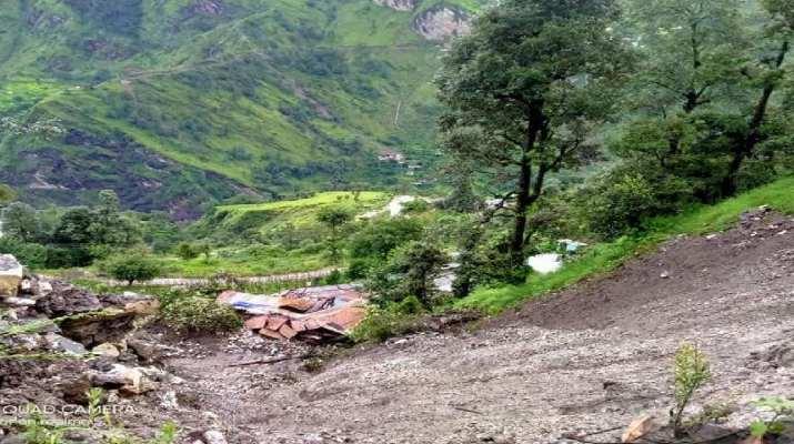 बड़ी खबर: पिथौरागढ़ के मुनस्यारी तहसील के दो स्थानों में फटा बादल, 3 लोगों की मौत, 5 ज़ख़्मी, 11 लोग लापता! 1