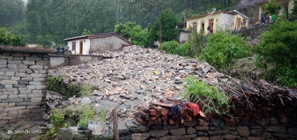 बड़ी खबर: पिथौरागढ़ के मुनस्यारी तहसील के दो स्थानों में फटा बादल, 3 लोगों की मौत, 5 ज़ख़्मी, 11 लोग लापता! 4