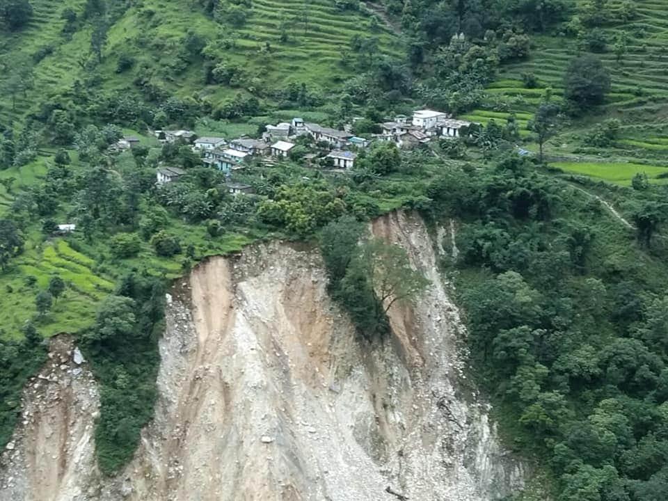 बड़ी खबर: पिथौरागढ़ के मुनस्यारी तहसील के दो स्थानों में फटा बादल, 3 लोगों की मौत, 5 ज़ख़्मी, 11 लोग लापता! 2