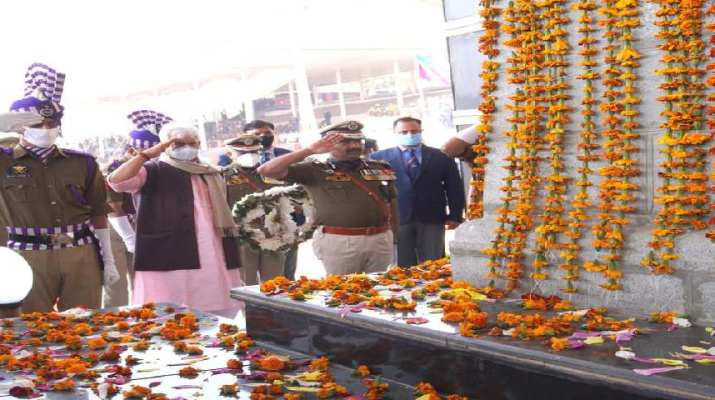 Jammu & Kashmir: Salutes the valour of Bravehearts of Police and other Security Forces, Don't touch the innocents, don't spare the culprits: Lt Governor 1