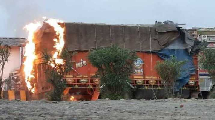 Video: Jammu & Kashmir, Nagrota Gunfight: 4 unidentified militants killed, 2 SoG men injured 1
