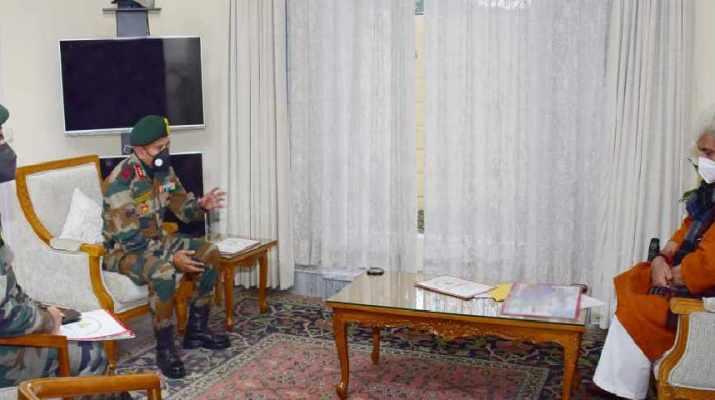 Jammu & Kashmir: Commander 9 Corps, GoC 26 Div call on Lt Governor 1