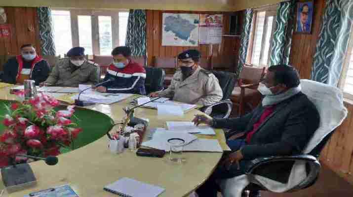 जिला सड़क सुरक्षा समिति की बैठक हुई संपन्न, जिलाधिकारी डॉ विजय कुमार ने दिए यह महत्वपूर्ण निर्देश 1