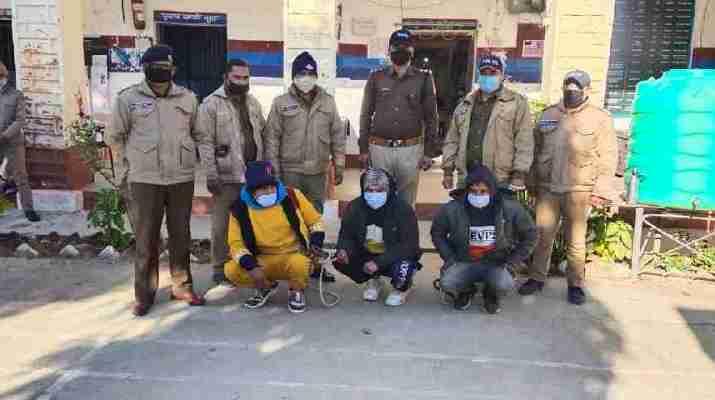हत्या का खुलासा कर, अभियुक़्तों को 24 घण्टे के भीतर पिथौरागढ़ पुलिस ने किया गिरफ्तार, नेपाल भागने की फिराक में थे अभियुक़्त 1