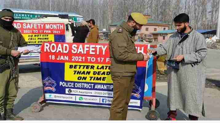 Jammu & Kashmir: 'Sadak Surakhsha Jeevan Raksha' kick started across all districts of Kashmir 1