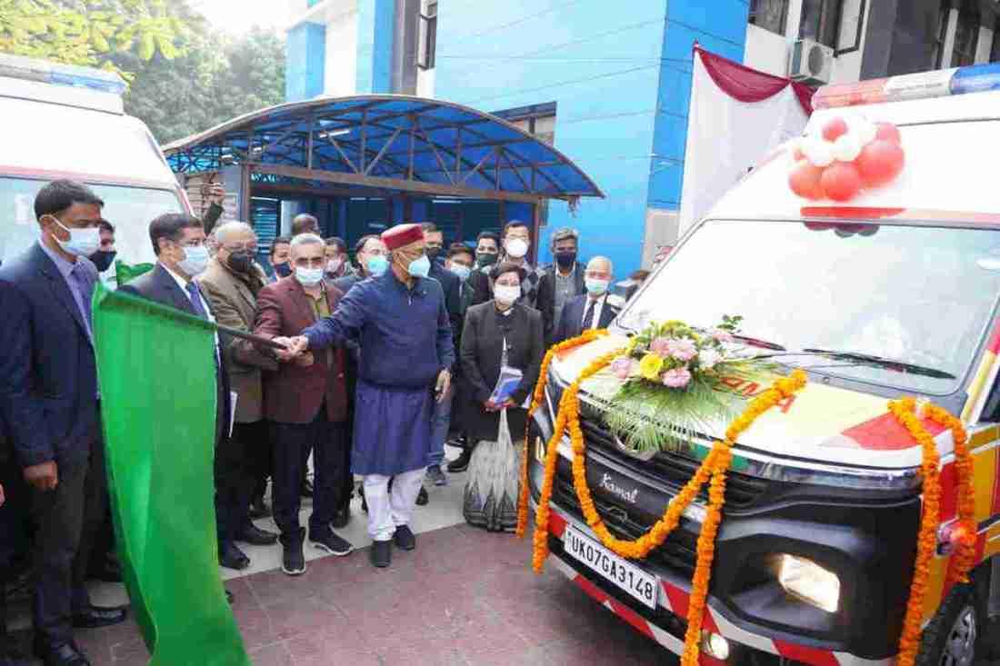 मुख्यमंत्री ने गांधी शताब्दि चिकित्सालय में 132 नई एम्बुलेंस का किया फ्लैग ऑफ़ 3