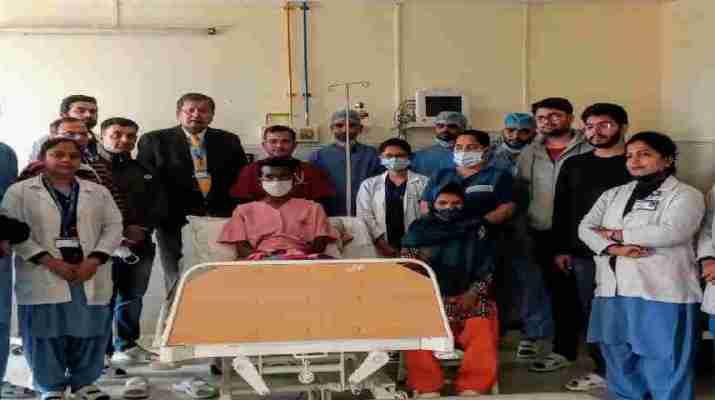 महिला दिवस- पत्नी ने किडनी देकर बचाई पति की जान, किडनी ट्रांसप्लांट के सफल ऑपरेशन के बाद पति-पत्नी दोनों पूरी तरह स्वस्थ 1