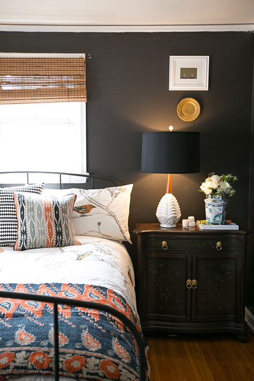 Dark + moody bedroom inspiration | Hello Victoria