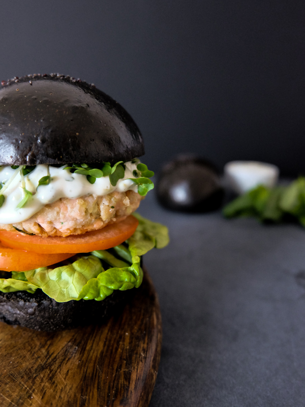 Salmon burgers with lime basil aioli in squid ink brioche | Hello Victoria