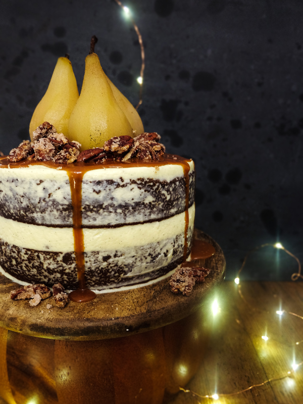 Ginger cake with poached pears and caramel sauce | Hello Victoria