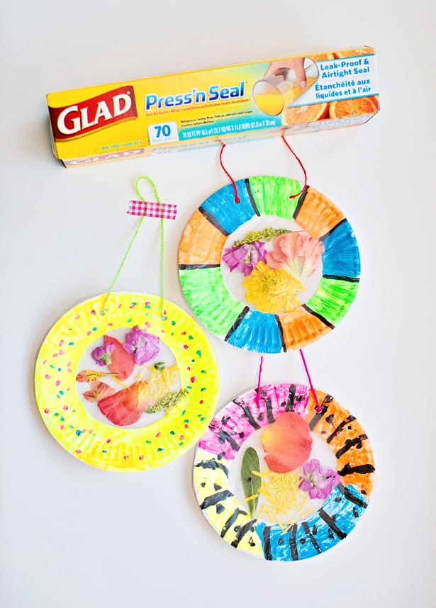 COLORFUL AND EASY FLOWER SUNCATCHER CRAFT