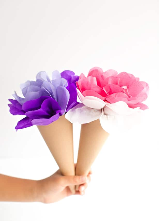 how do you make a flower out of tissue paper