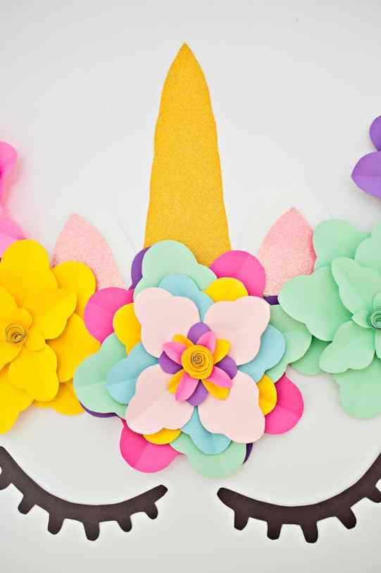 Unicorn party ideas, Create a beautiful and easy DIY unicorn flower backdrop for party decor!