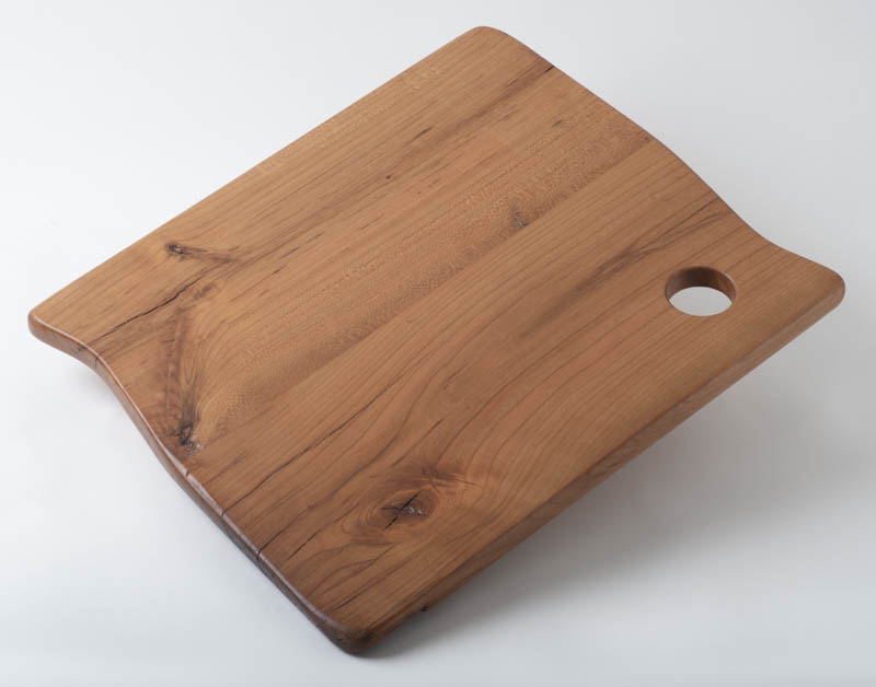 Charcuterie board, in cherry with hole