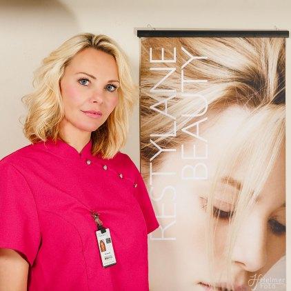 Model: Kari-Anne Eik