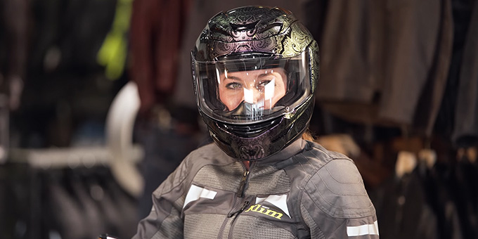 The Best Motorcycle Helmet for Women Buying Guide