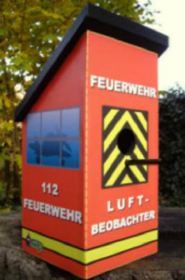FeuerwehrVogelhuschen  Feuerwehrvogelhaus  Vogelhaus